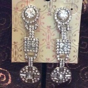 Jewelry - NWOT Art Deco inspired drop earrings